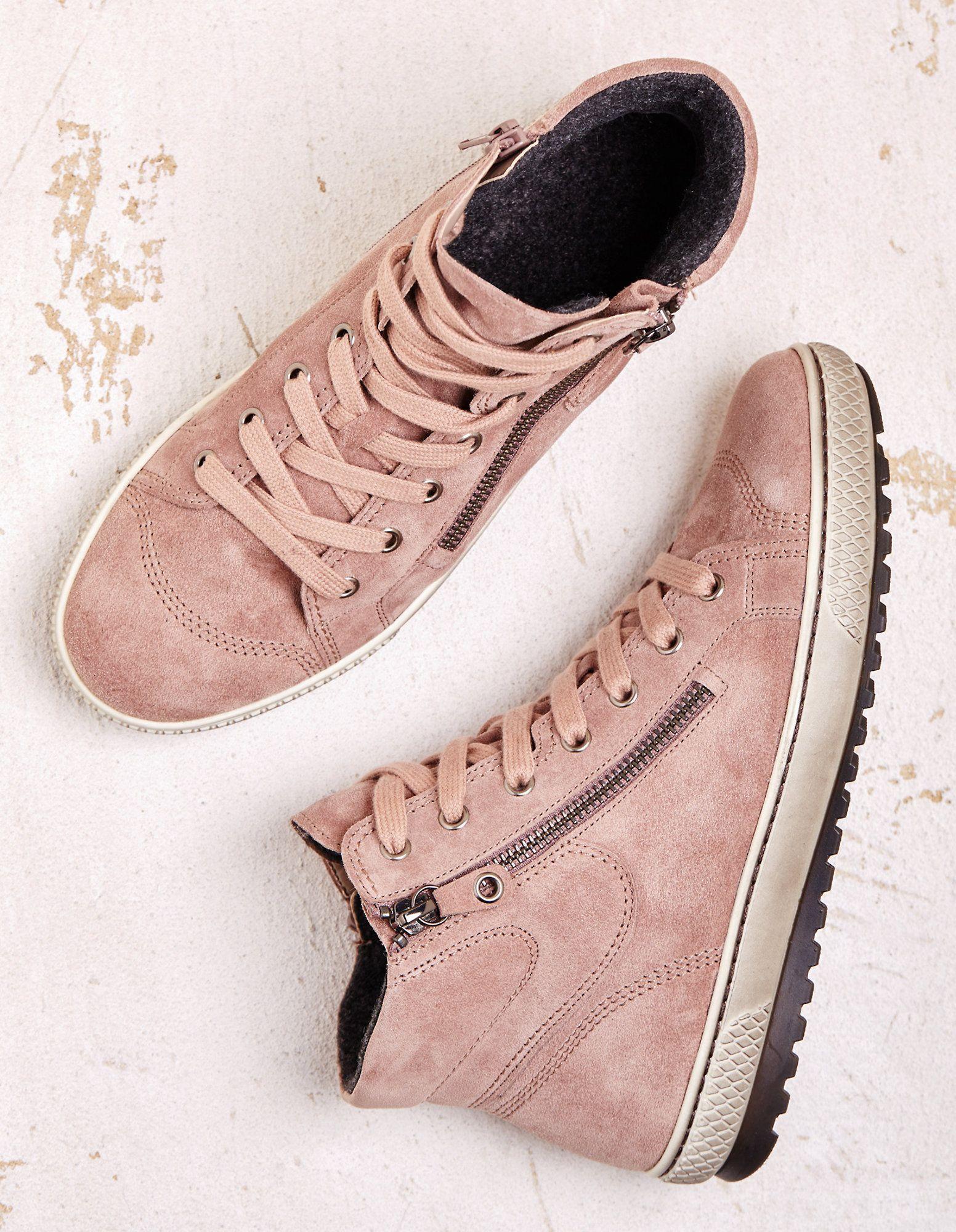 Sneaker Style Der Extraklasse Hat Gabor Mit Diesen Trendigen Damen Stiefeletten Entworfen Die Zwei Reissverschluss Gabor Stiefeletten Gabor Schuhe Stiefeletten
