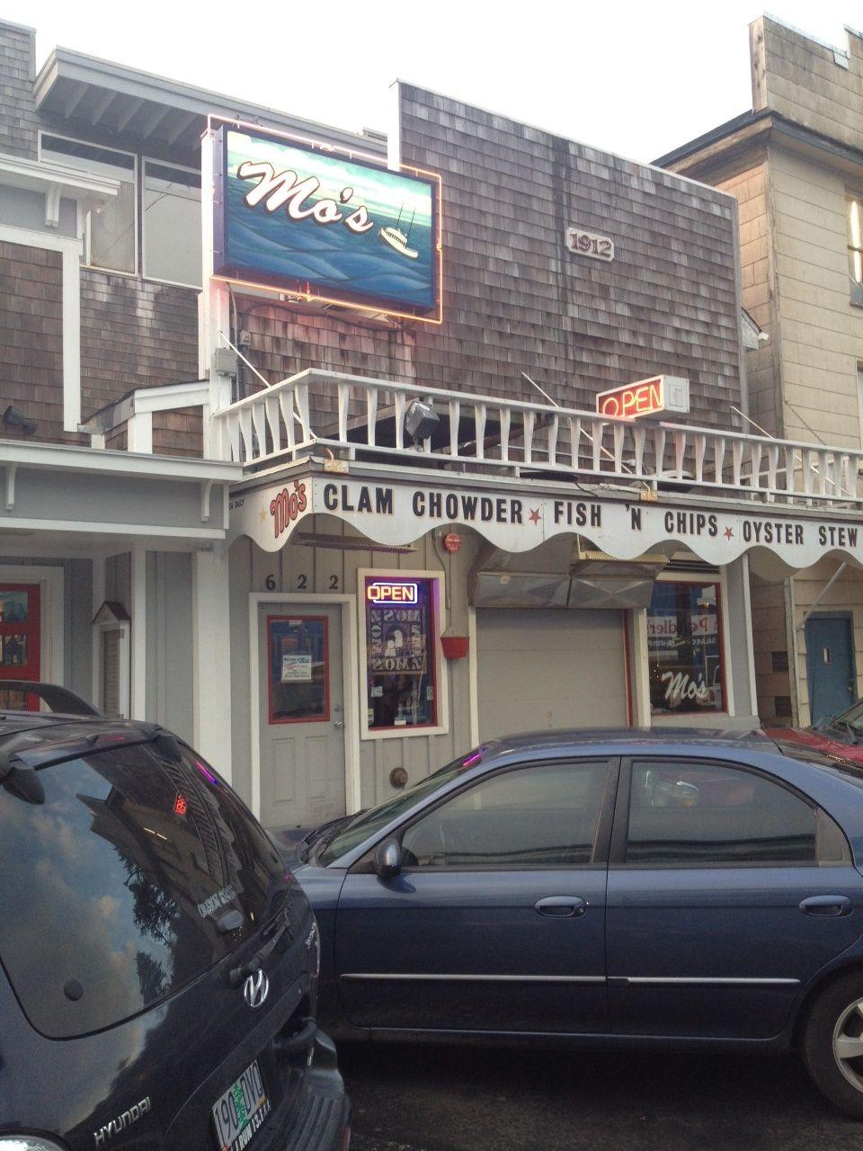 Newport oregon restaurant it has a deck where you can eat
