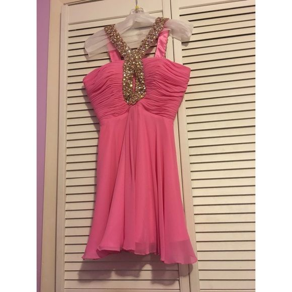 Sherri Hill Short Dress Only worn once Sherri Hill dress. In great condition. Says size 6 but altered to a size 4. Sherri Hill Dresses