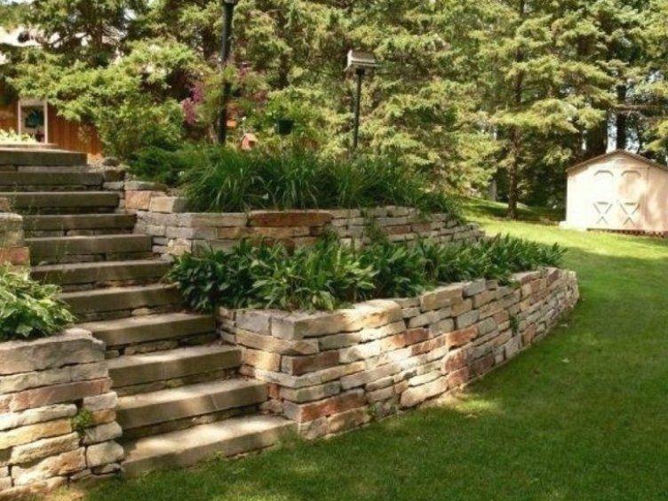 Steinmauer Garten Blumenbeete Treppe Garten Landschaftsbau Garten Landschaftsbau In 2020 Sloped Garden Stone Walls Garden Garden Design