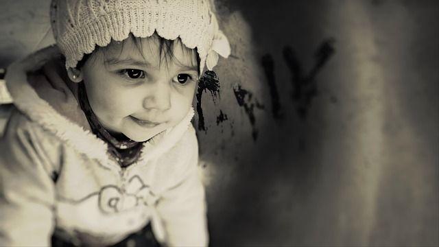 http://pixabay.com/en/baby-child-pretty-cute-girl-539973/