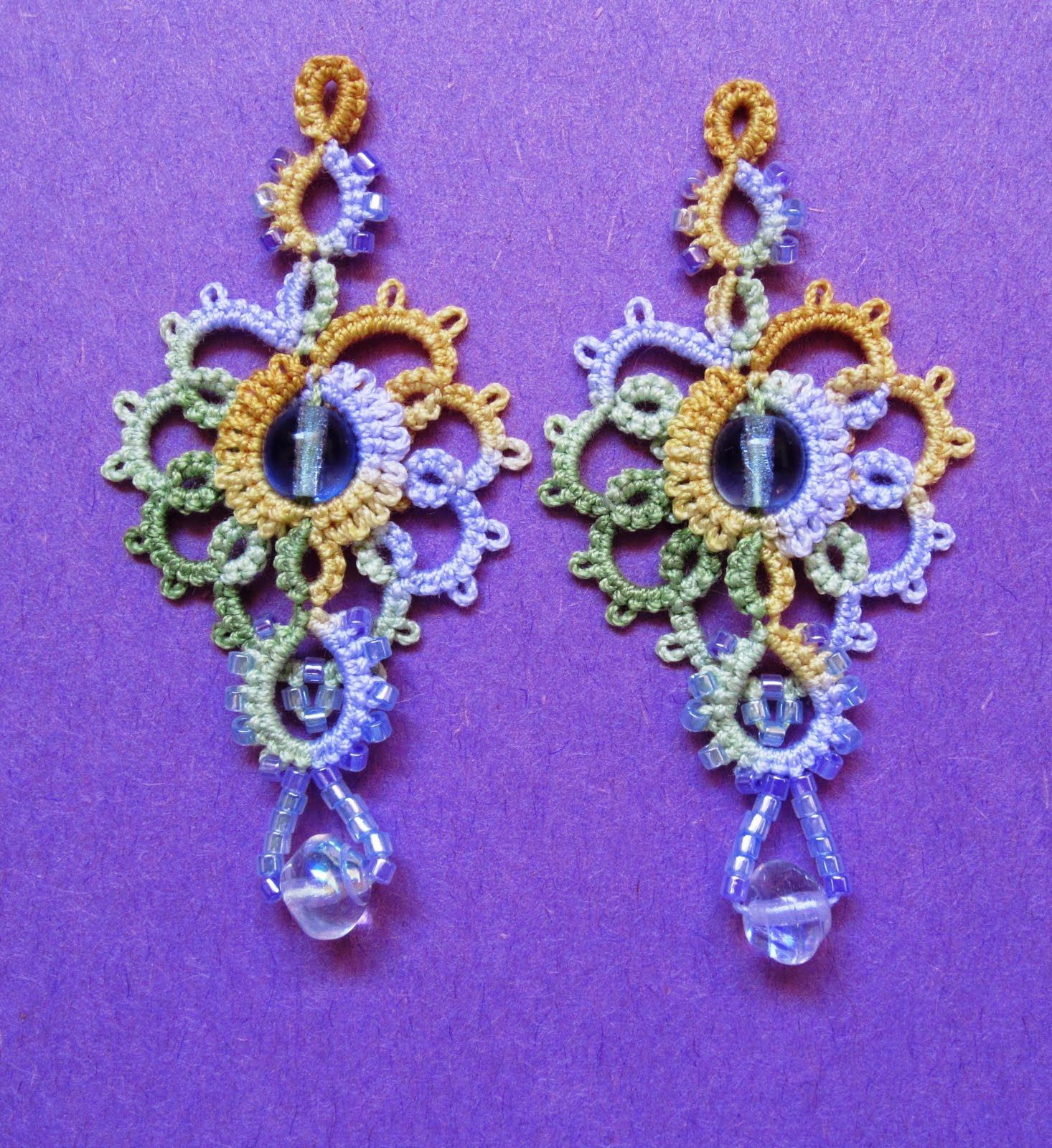 "Marilee's ""Grand Aura"" earrings from her other book, Up and Tat 'Em   /duffyblack78/tatting-chiacchierino/"