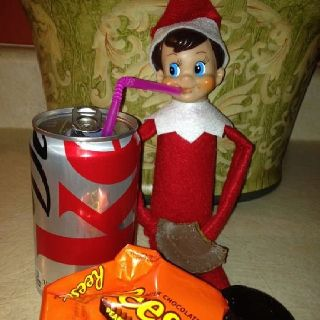 Tiny thinks as long as you drink diet coke it's ok to eat a Reese's! LW ;)