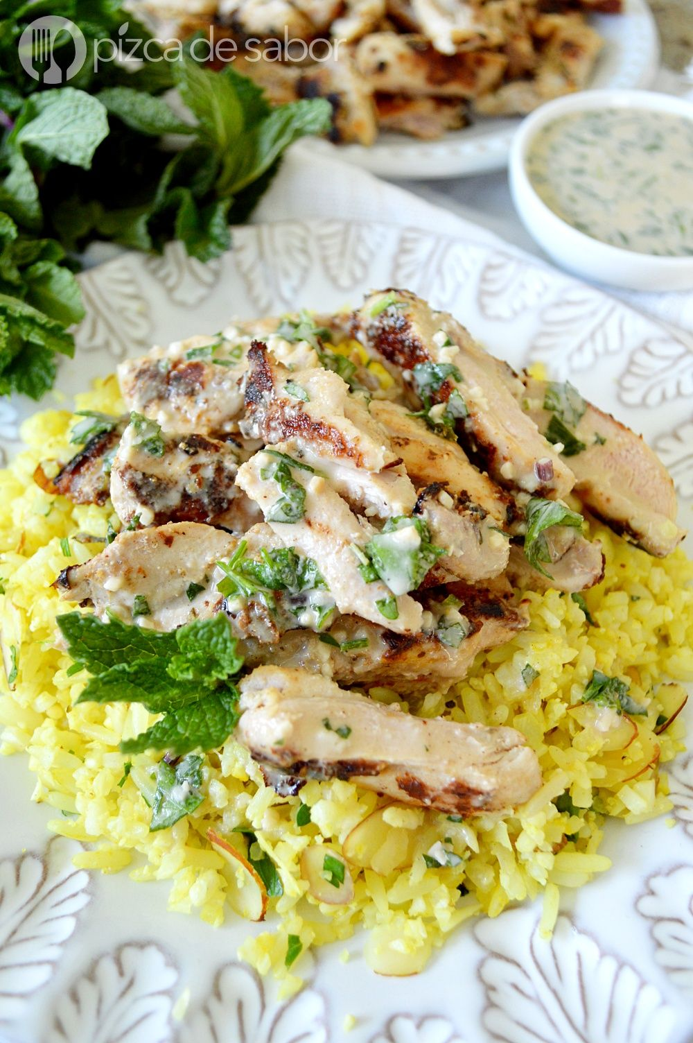 Pollo con salsa de tahini