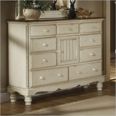 Hillsdale Wilshire 9 Drawer Mule Chest in Antique White Finish