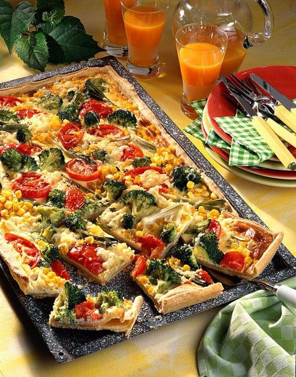 Gemüsekuchen mit Schmandguss Rezept | LECKER