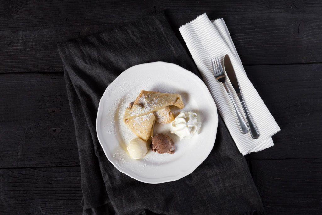 Jedlo - Palacinky so zmrzlinou a šlahačkou