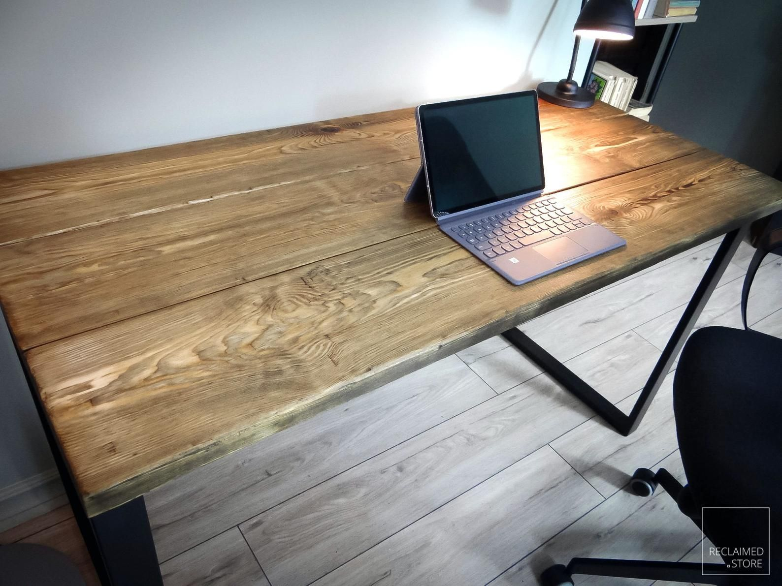 Reclaimed Wooden Desk Solid Metal Legs Reclaimed Furniture Desk Industrial Desk Wooden Office Desk Old Wood Desk In 2020 Reclaimed Wooden Desk Wooden Desk Solid Wood Office Desk
