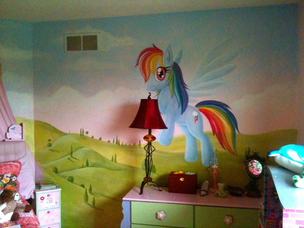 my little pony bedroom mural bedroom ideas for madelynn. Black Bedroom Furniture Sets. Home Design Ideas