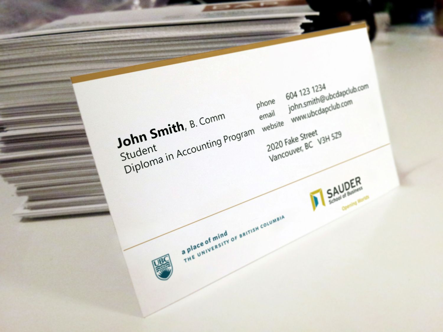 Smart Ways Of Using Business Cards in Networking - Business Card ...