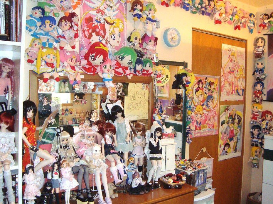 Otaku Pride Decorating In Nerdy Anime Style Sailor