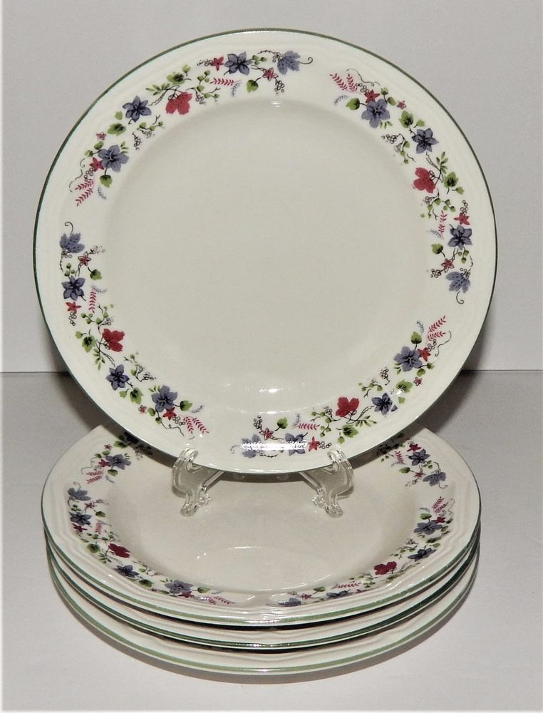 4 Totally Today Salad PLATES 422808 BLue Red Flower Trim TTOTTO30 Green Rim & 4 Totally Today Salad PLATES 422808 BLue Red Flower Trim TTOTTO30 ...