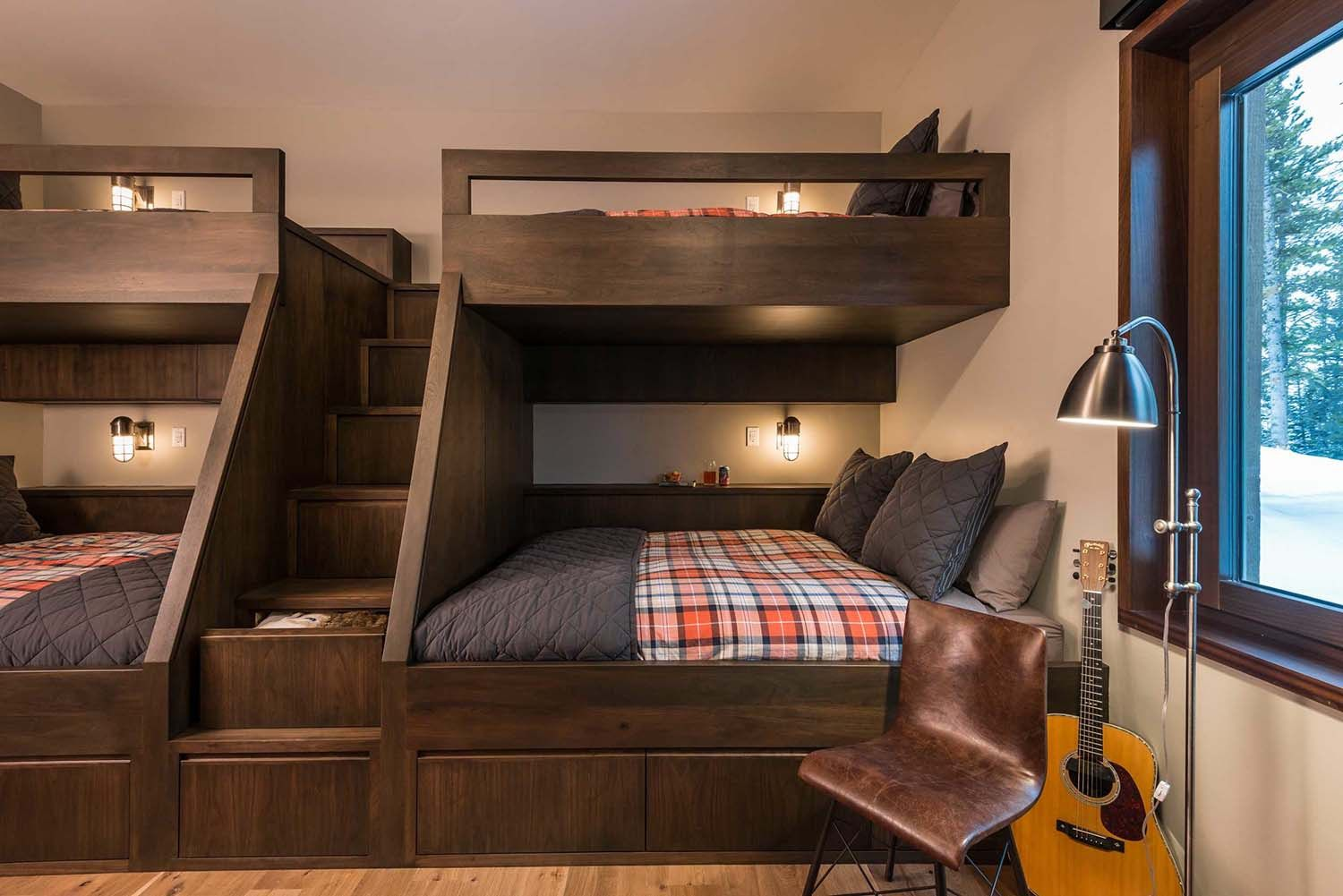 Modern Yet Warm Retreat With Mesmerizing Rocky Mountain Vistas Bunk Beds With Stairs Bunk Bed Designs Modern Bunk Beds