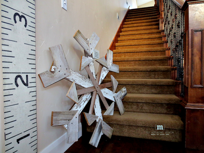 DIY Reclaimed Wood Snowflake | Winter Decor
