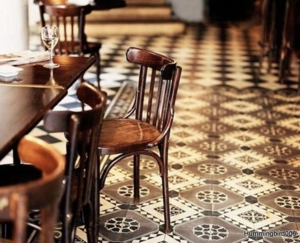 Showpieces For Home Decoration Homedecoratingsoftware In 2020 Restaurant Tiles Parisian Cafe Brown Dining Chairs