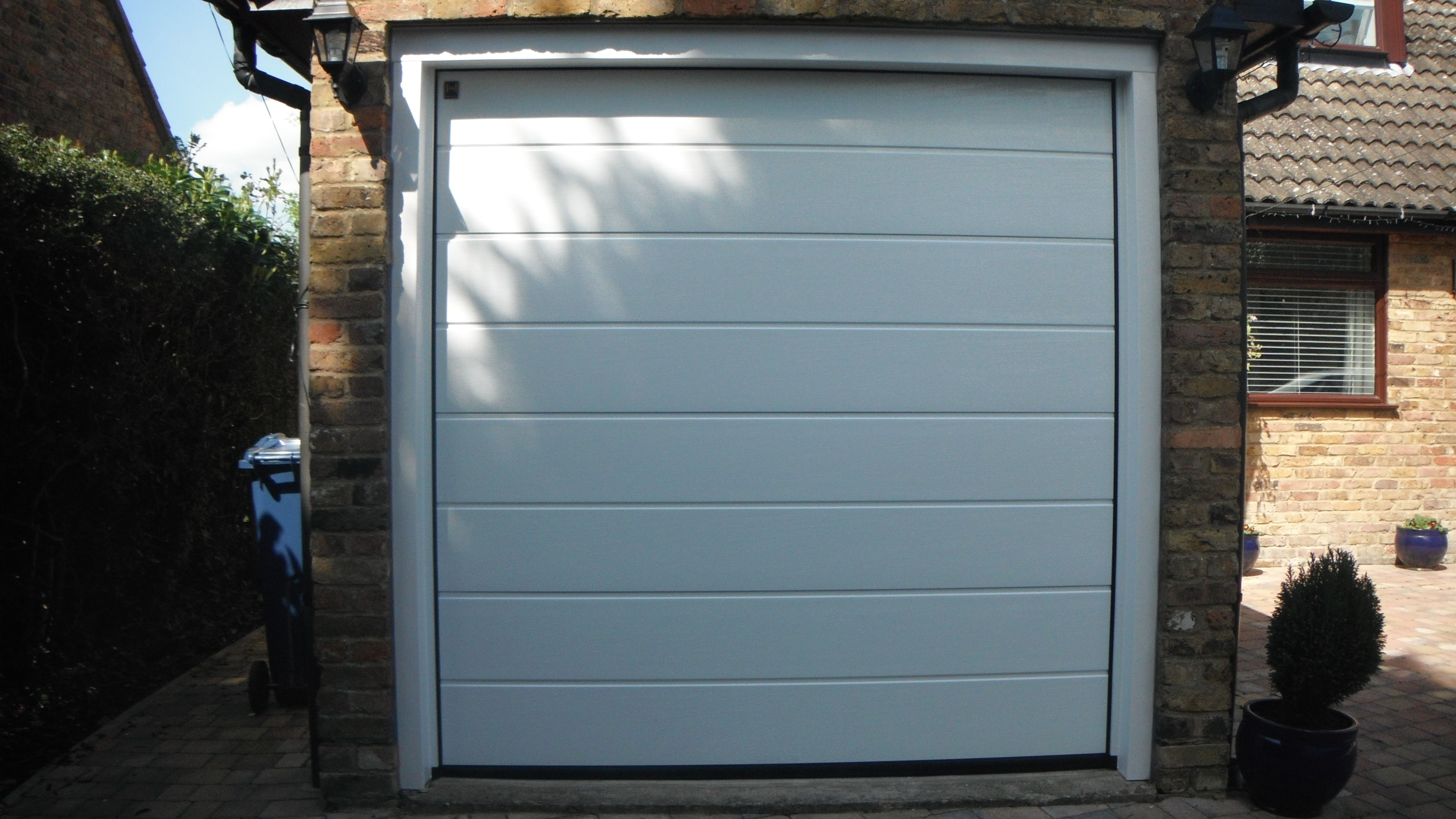 Hormann white m ribbed woodgrain sectional garage door hormann hormann white m ribbed woodgrain sectional garage door rubansaba