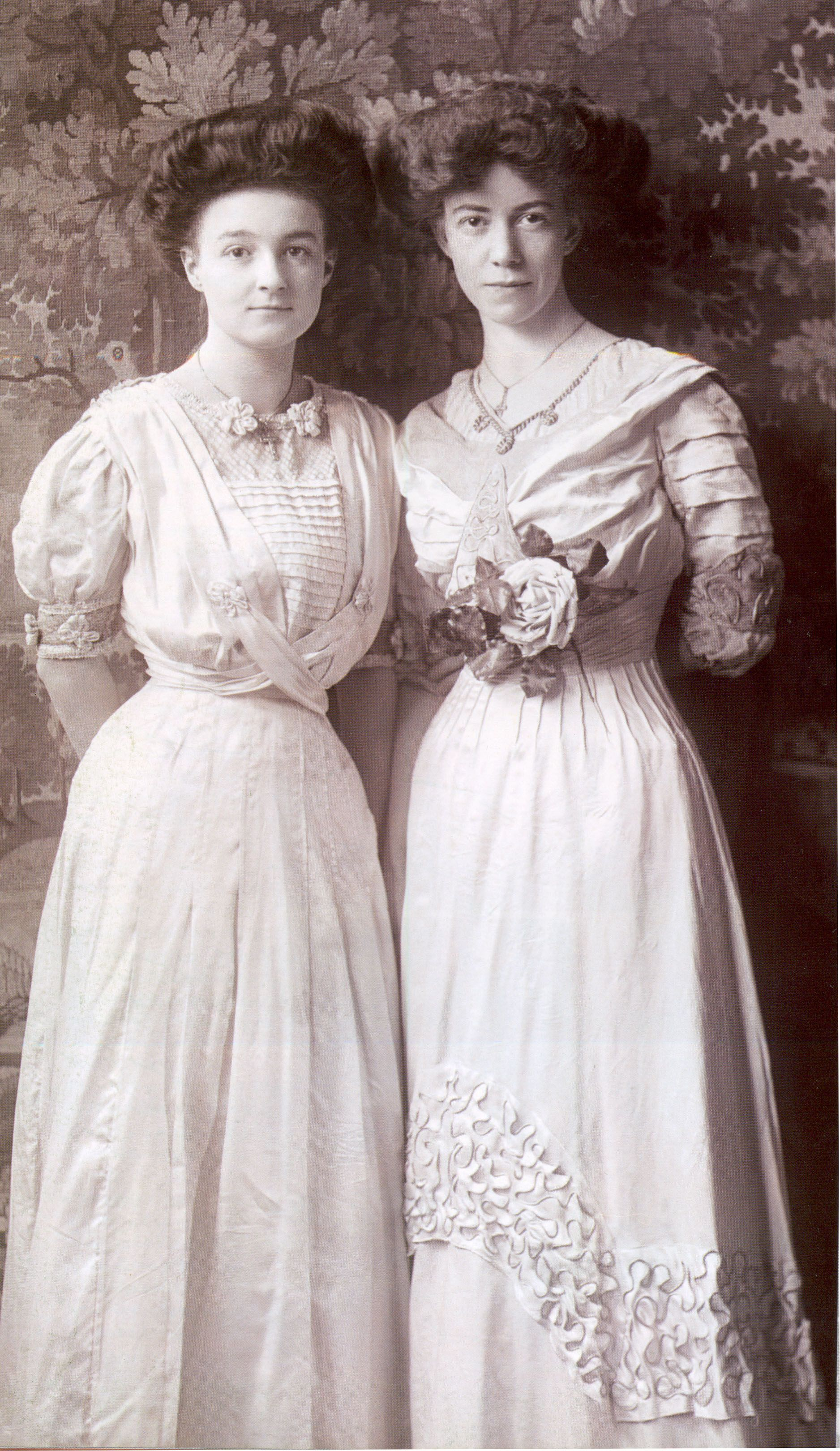 A pair of Edwardian ladies c1905-1910 | 20th century ...