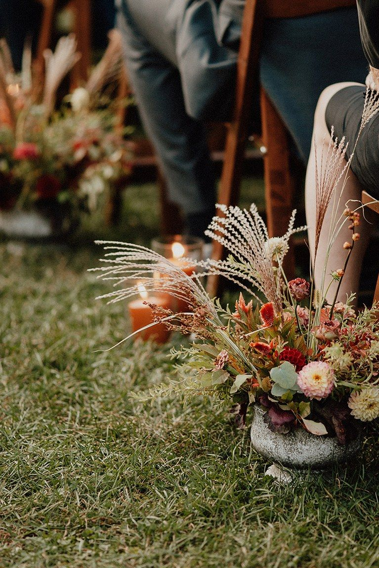 How to Revive Your Wedding Flowers If They Start to Droop