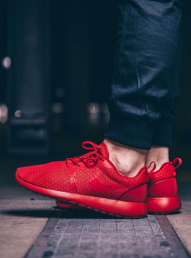 432a9e8982abd Uni Red Roshe One Hyperfuse