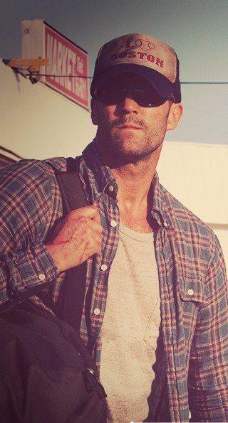 Pin By Buniya Ravte On Yes Please Jason Statham Statham Gorgeous Men