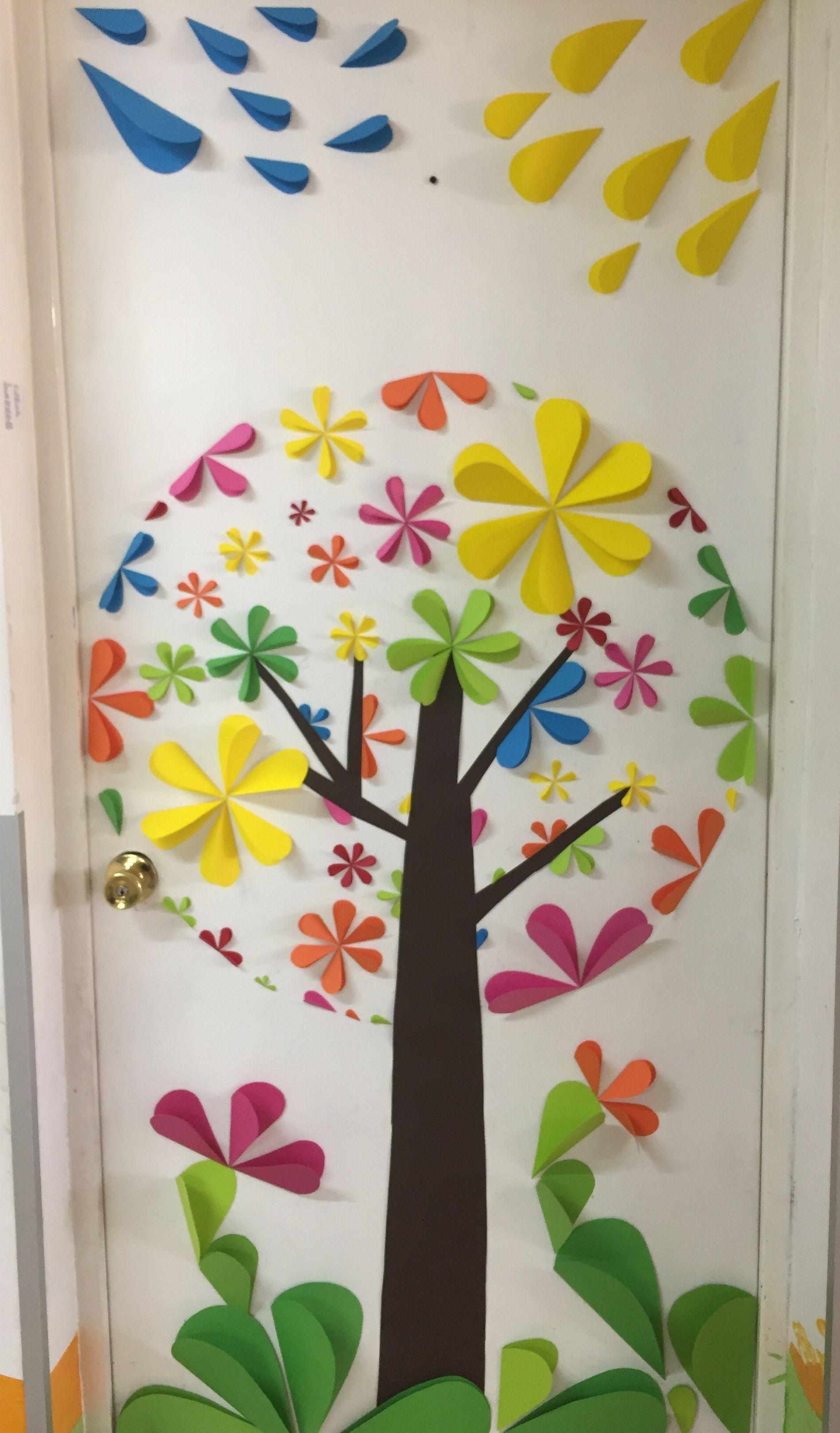 Decoraci n de puerta para primavera ni os school for Decoracion puerta aula infantil