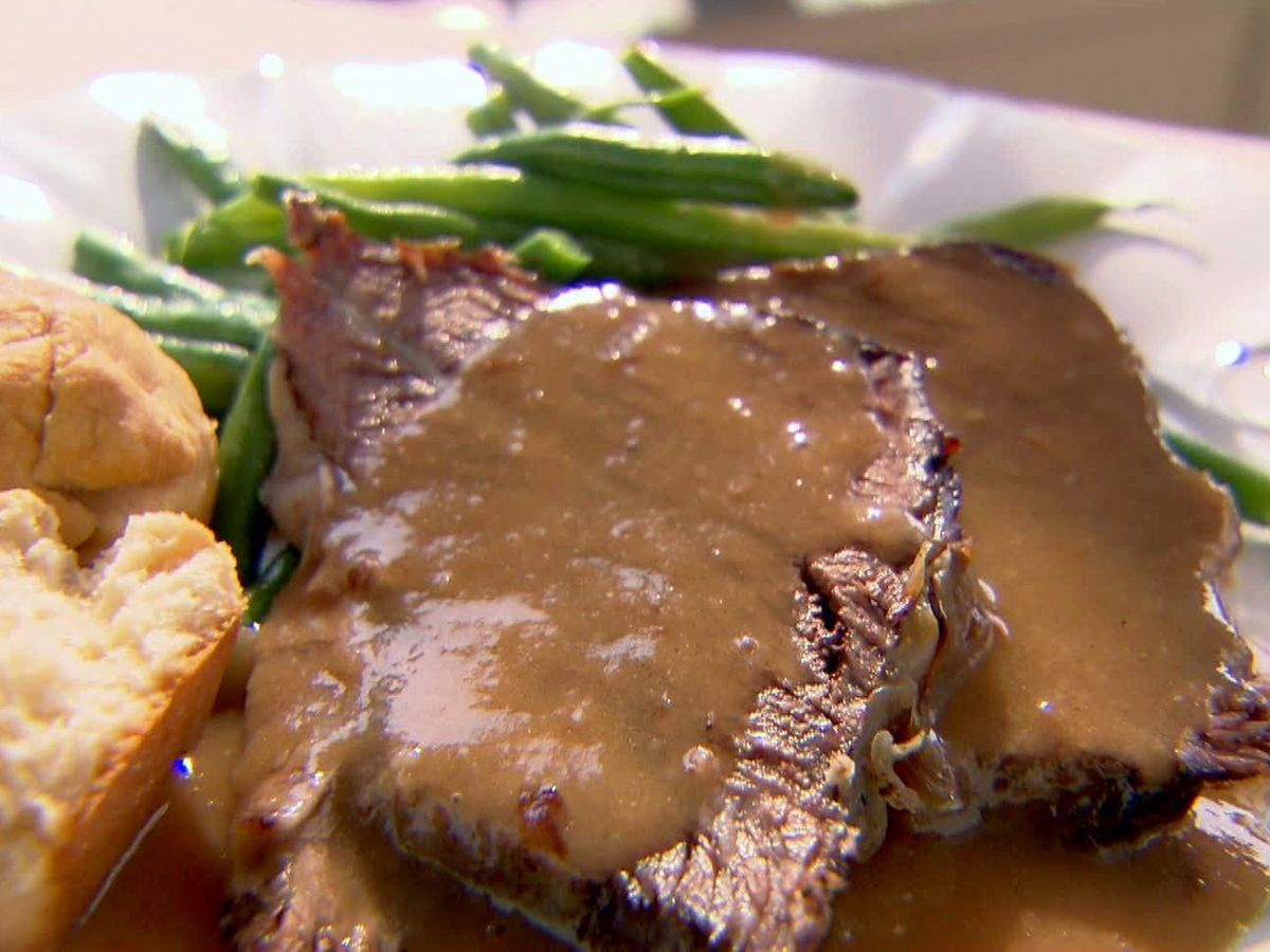 Roast beef with gravy recipe trisha yearwood food network roast beef with gravy recipe trisha yearwood food network forumfinder Images