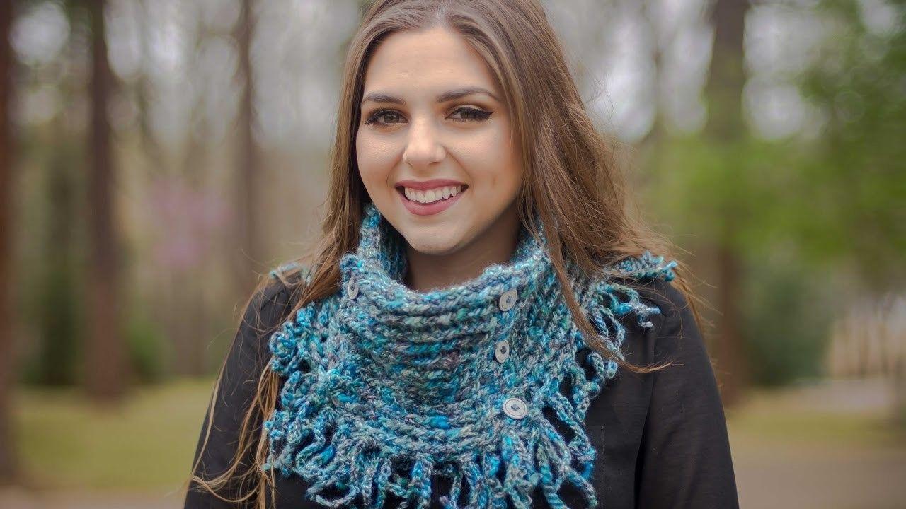 Cuello corto con cadenetas tejido a crochet 001
