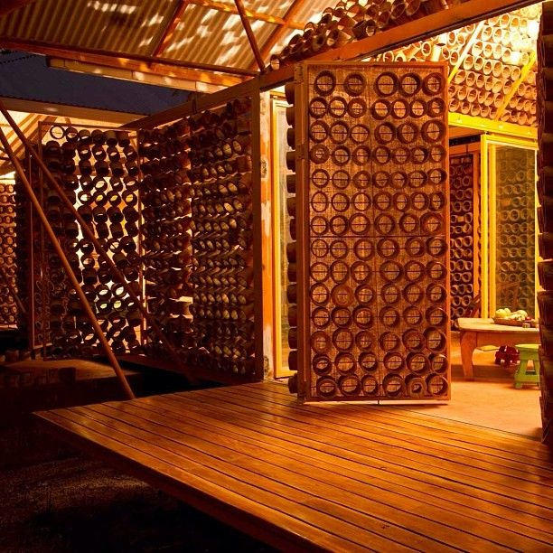 Casa em Bambu, Guanacaste, Costa Rica. Projeto do arquiteto Benjamin Garcia Saxe. #architecture #arquitetura #arte #artes #arts #art #artlover #design #architecturelover #instagood #instacool #instadaily #design #projetocompartilhar #davidguerra #arquiteturadavidguerra #shareproject #bambu #leveza #bamboo #lightness #bambooarchitecture #bamboodesign #bamboohouse #costarica
