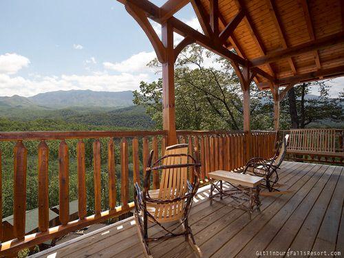 Amazing Views 2 Bedroom luxury rental cabin in Gatlinburg TN