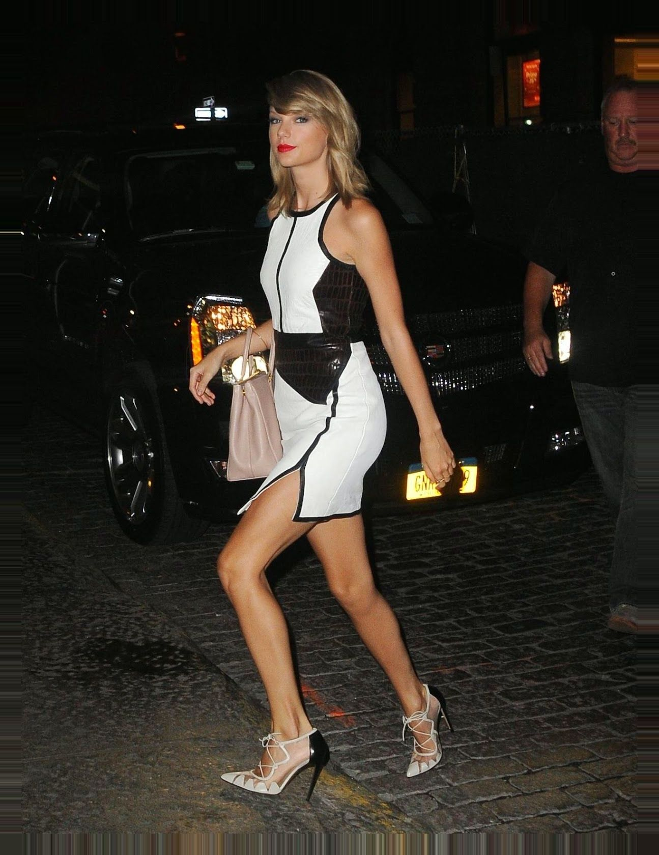 , Taylor Swift flaunts a Jonathan Simkhai dress out and about in Soho – My Pop Star Kda Blog, My Pop Star Kda Blog, My Pop Star Kda Blog