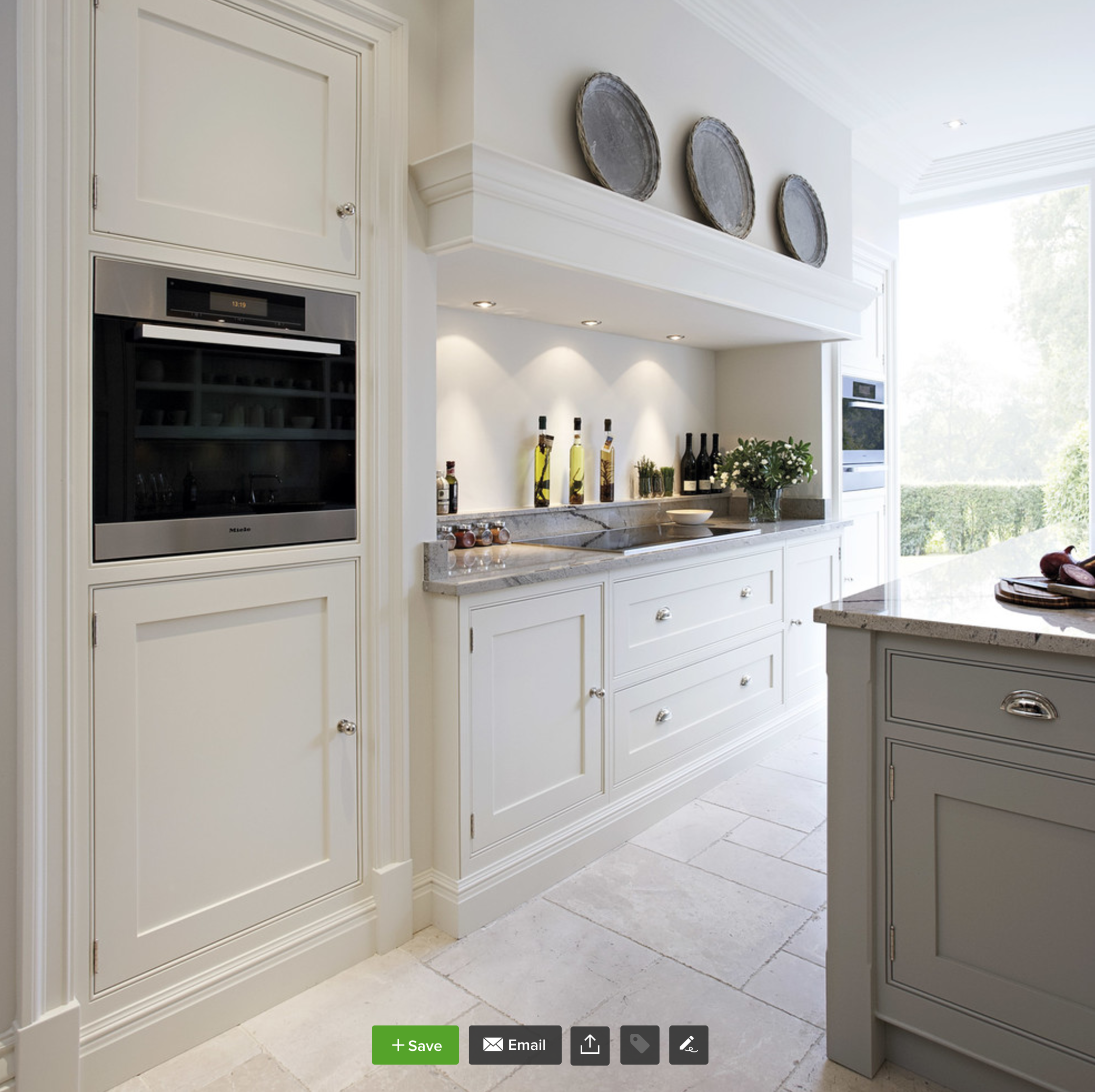 Contemporary Shaker Kitchen - This bright and light shaker style ...