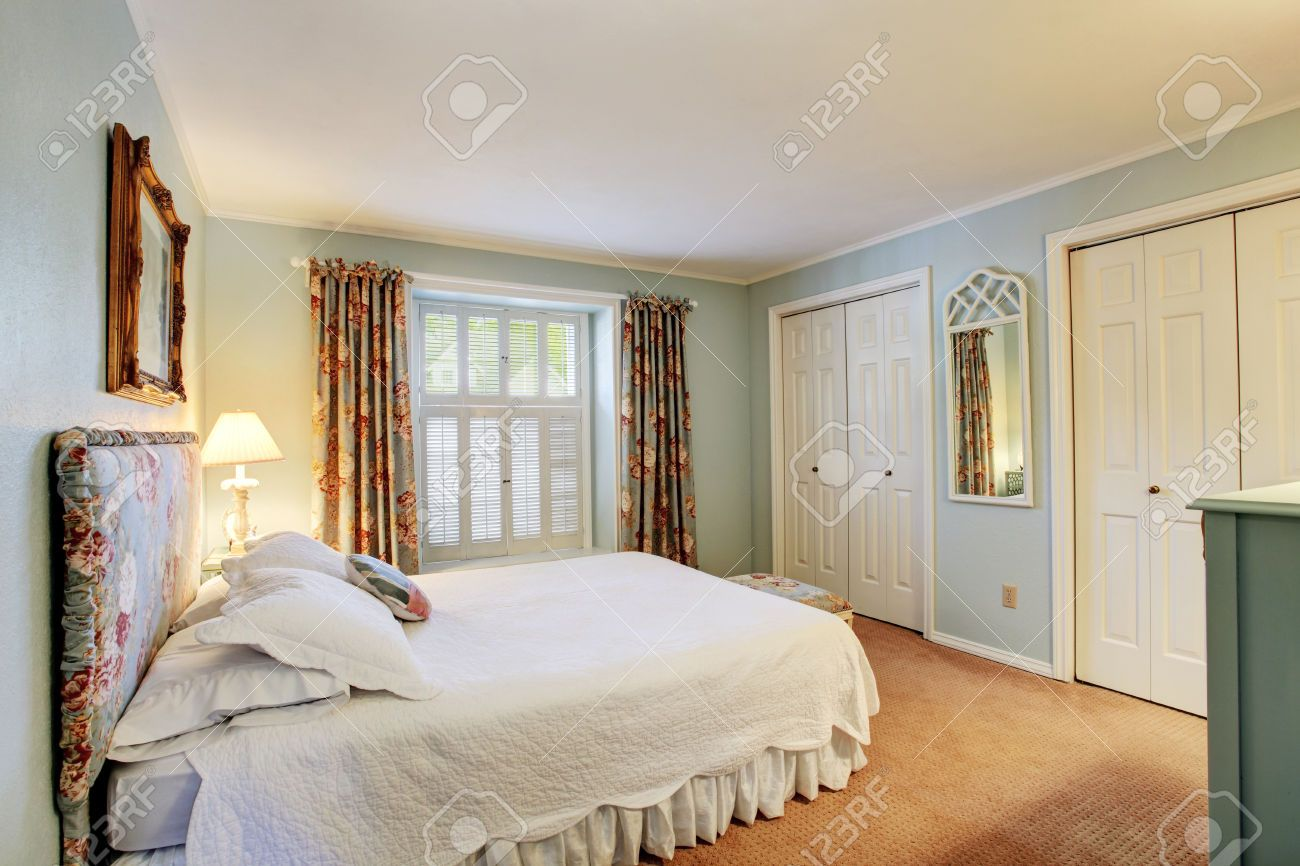 Bedroom Color With Light Brown Carpet Google Search Grey Walls White Trim Light Green Bedrooms Green Bedroom Walls