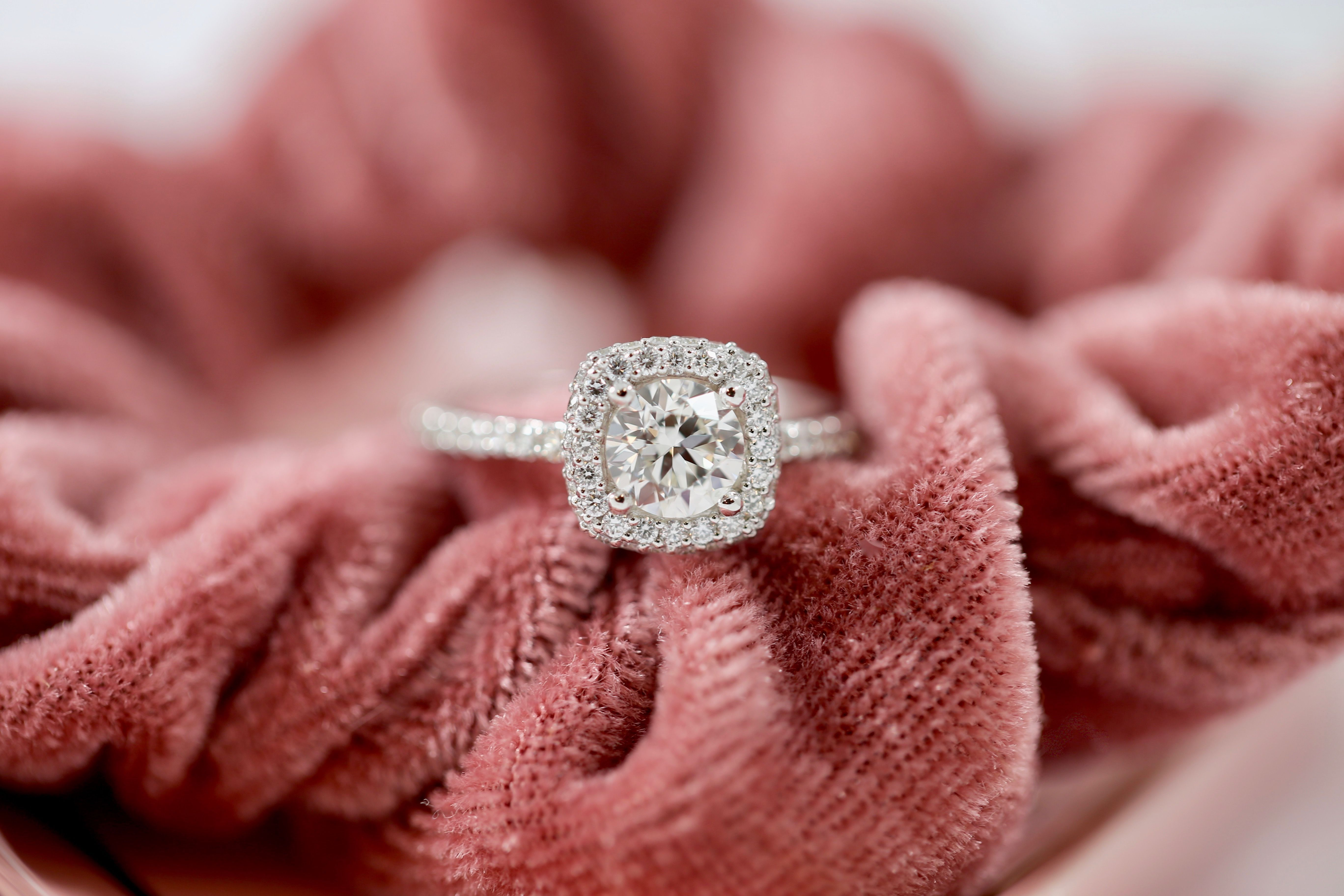 Round Diamond Engagement Ring with a 3D Cushion Halo ...