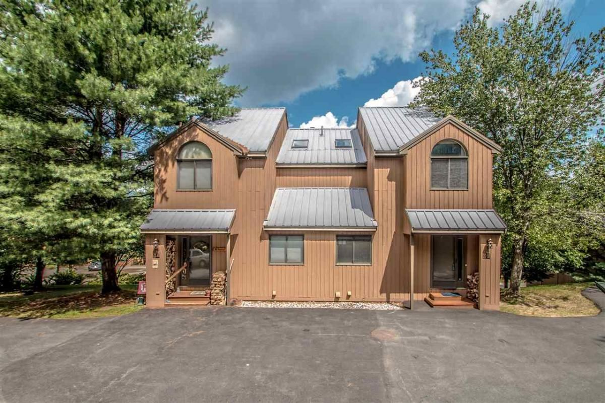 Attitash Woods Townhouse With Wide Mountain Views And Only 2 5 Miles From Attitash Ski Area This Much Loved 3 Br 3 B Cathedral Ceiling Living Design Townhouse