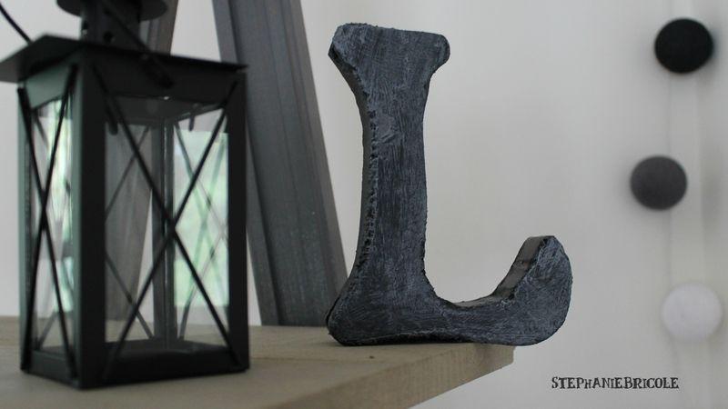 faire une lettre decorative effet metal en polystyrène