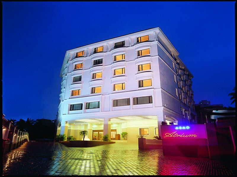 Hotels In Cochin 3 Star Kochi Abad Plaza Pinterest Atrium Hotel And