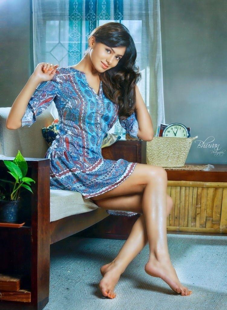 Pin de Kismet en Arab Feet Divas | Estilo femenino, Moda