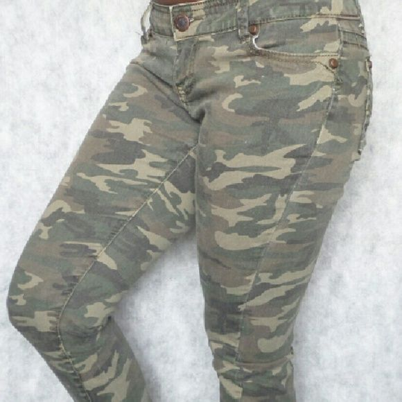 RUE 21 Camo Skinny Jeans Size 5/6 R 99% Cotton; 1% Spandex Rue 21 Pants Skinny