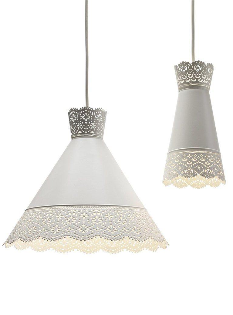 MÖLNDAL lámpara de techo €14,99 Ø30 cm. 302.563.58  ISALA armario €179 75×131 cm. Blanco. 002.495.62