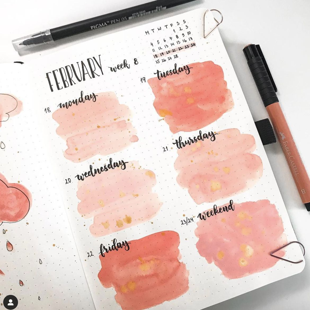 Looking for pink theme bullet journal ideas? Here are the best pink bullet journal spreads and layouts that you can use right away!   #bujo #bulletjournal #pinkbulletjournal #bulletjournalideas