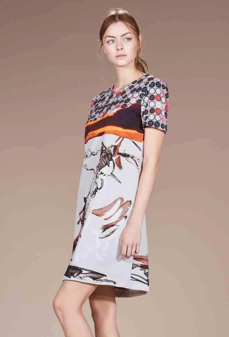 La robe de l'ingénue Blanche-Neige revisitée par Save the Queen - Collection automne - hiver 2016 / 2017. A retrouver dans notre boutique New Capucine à Vesoul.