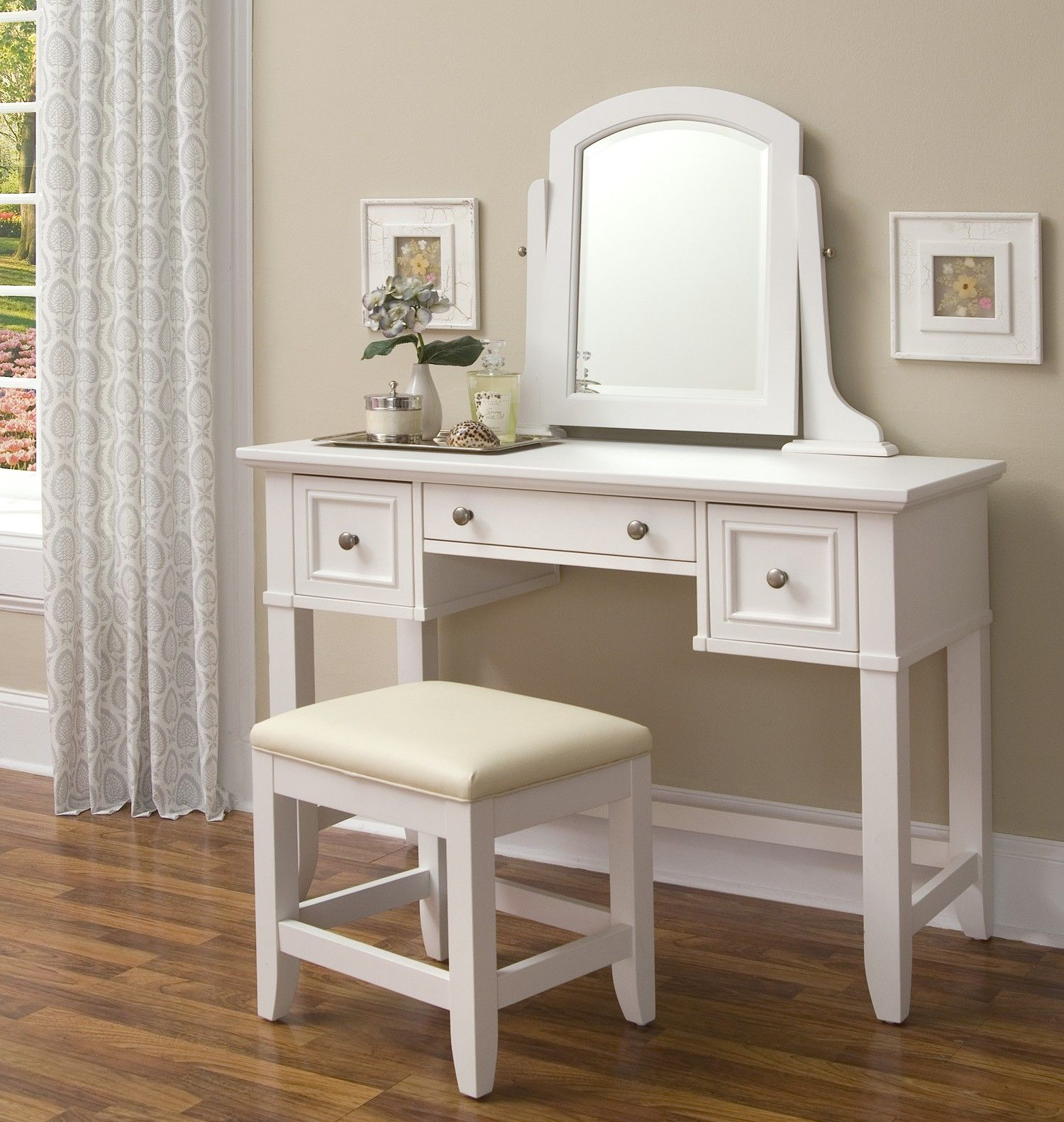 Cool White Makeup Vanity Table With Single Mirror And Three Drawer Storage  Feat Bench On Wooden