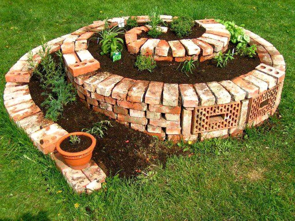 Pin Van Doug Harrington Op Garden Delight Spiraal Tuin Tuin Ideeen Tuin