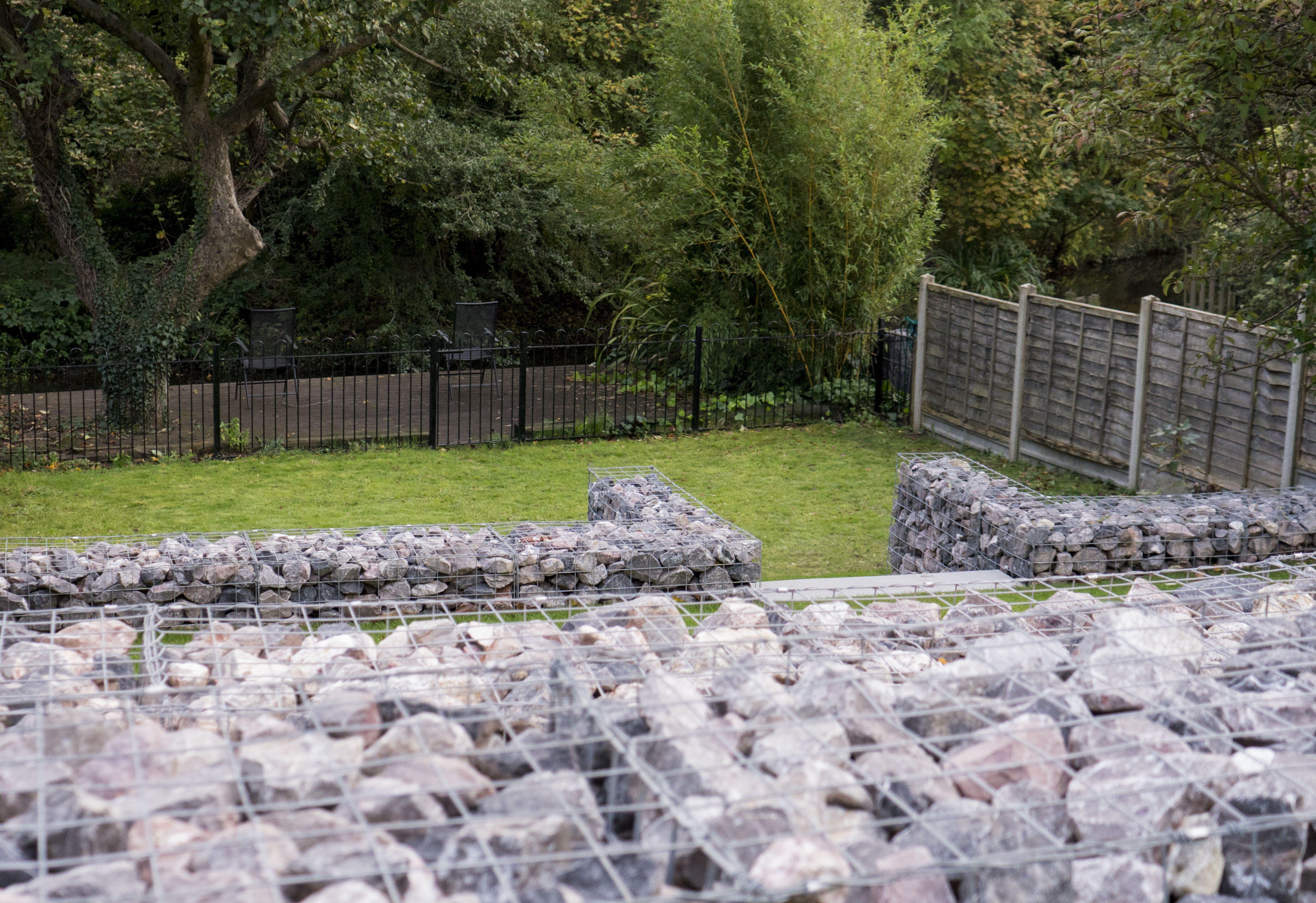 Colne Garden Terrace Rickmansworth In 2020 Landscape Garden Design Terrace