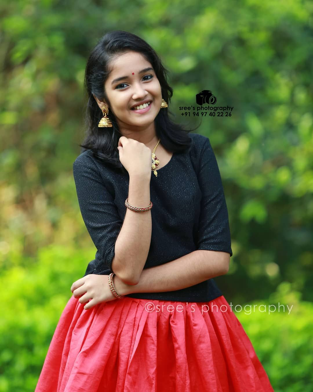Full Hd Wallpapers Child Actress Anikha Surendran Photoshoot Stills Beauty Full Girl Stylish Girl Images Beautiful Indian Actress