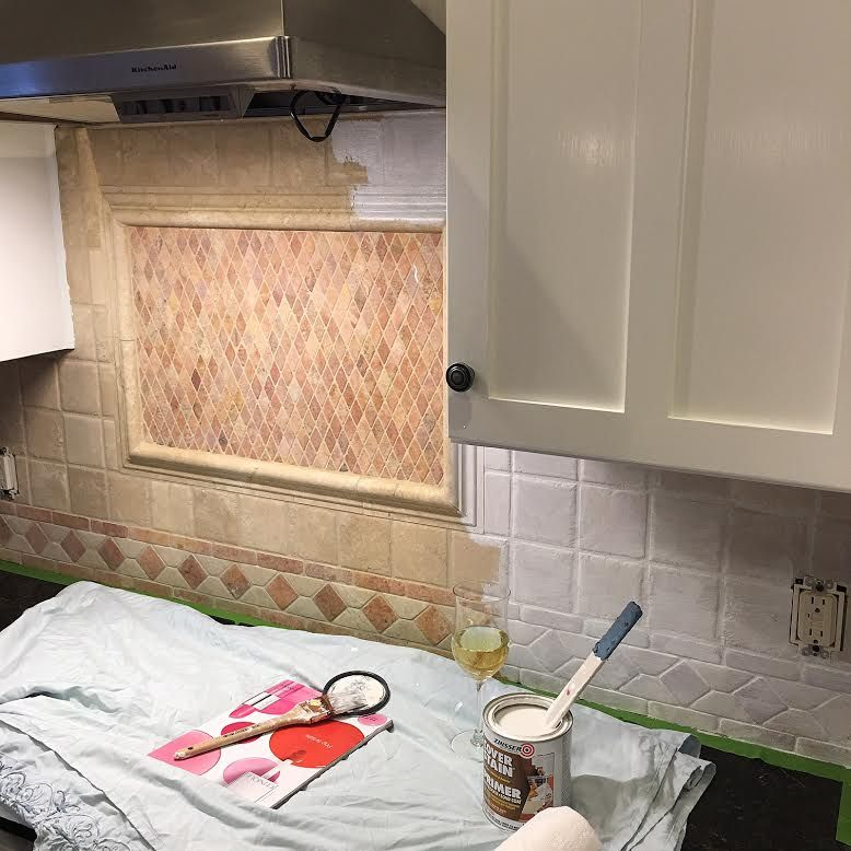 Follow these easy steps to paint your ugly back splash & make it fab ...