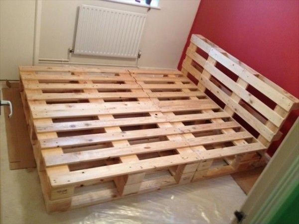 beautiful diy pallet bed de la cama de