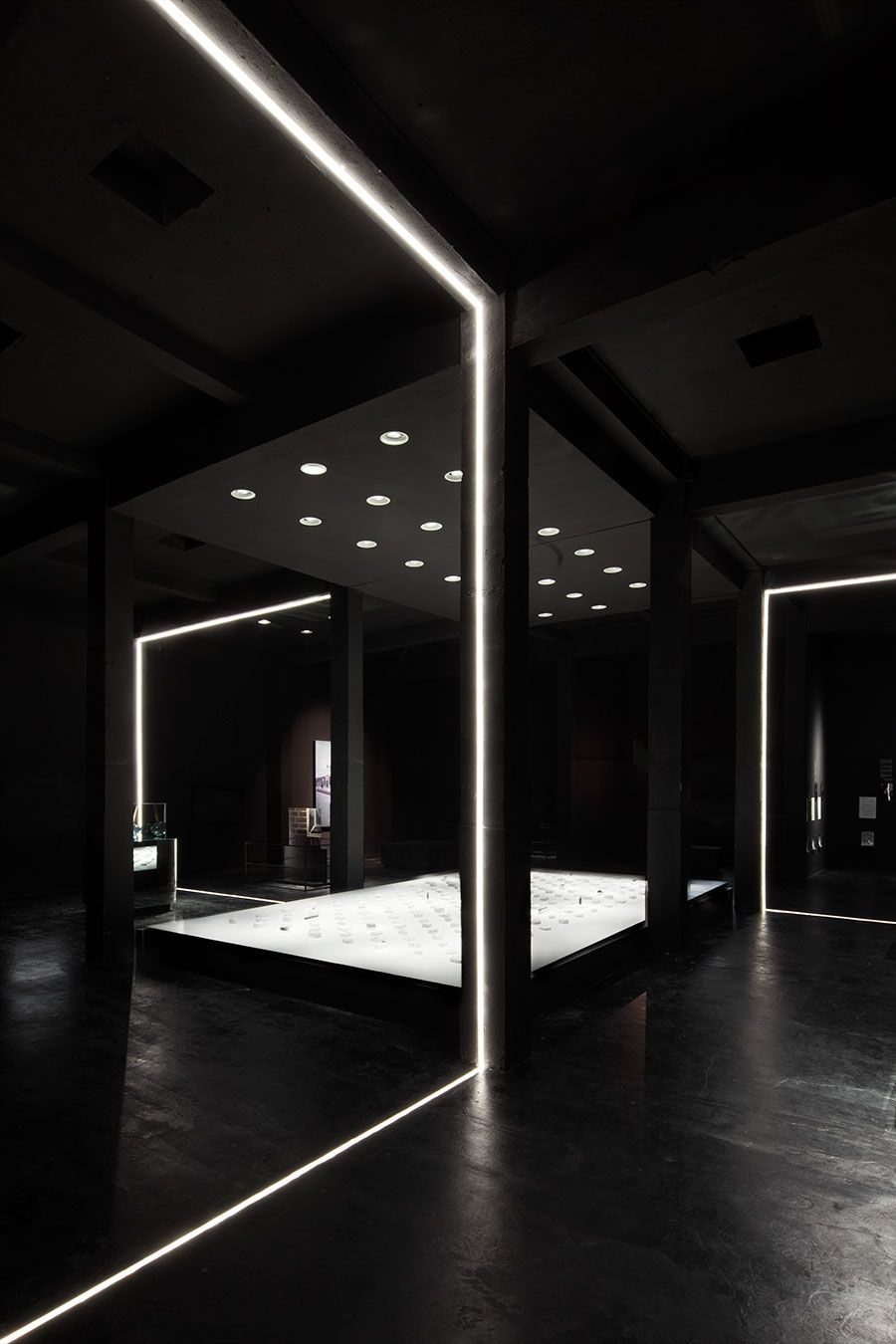 Keep It Glassy 2 Exhibition At The Shanghai Museum Of Glass By Coordination Asia Museum Lighting Architecture Design Design