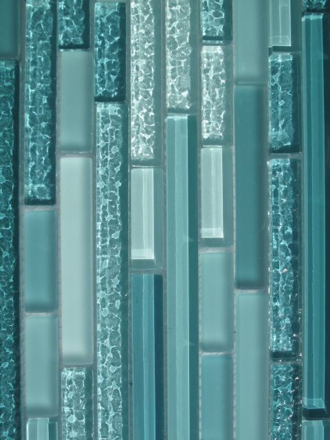 Aqua horizontal mosaic glass tile kitchen backsplash for Blue mosaic bathroom accessories