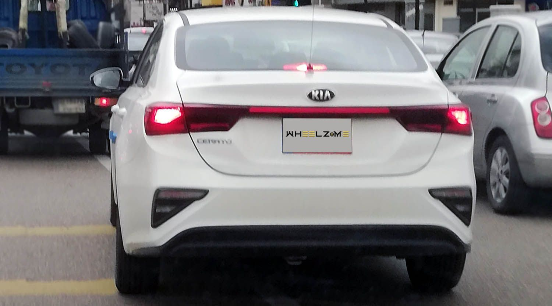 كيا سيراتو الجديدة النفحة الرياضية لسيدان جريئة وأنيقة موقع ويلز Kia Car Vehicles